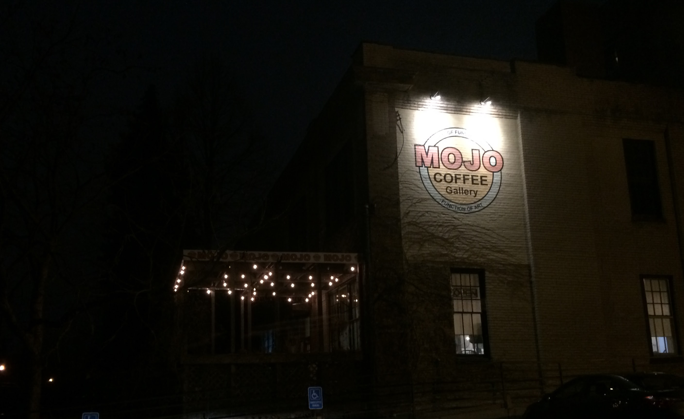 Mojo Hosts our Meetup